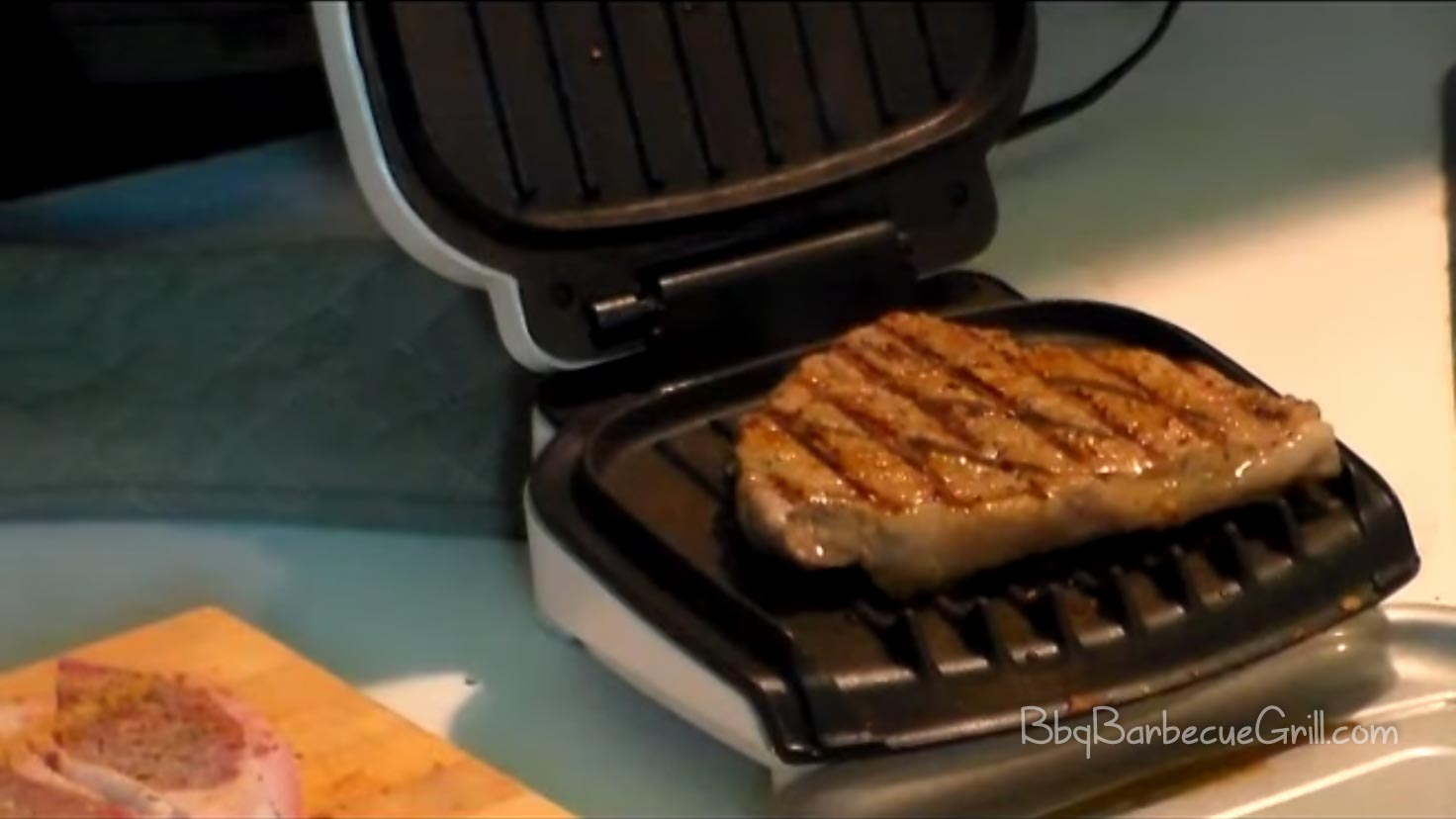 Choosing the Best Small Electric Grill of 2019-2020: A ...