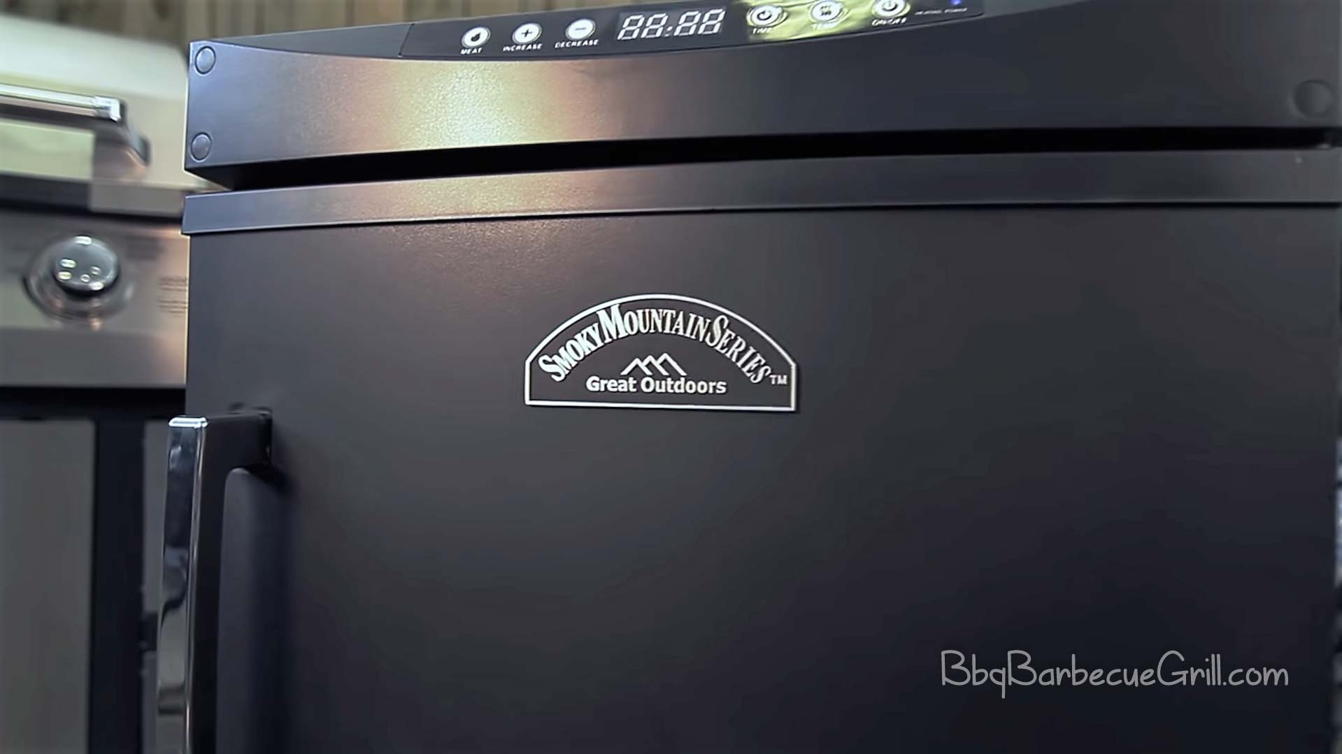 Best smoky mountain electric smoker
