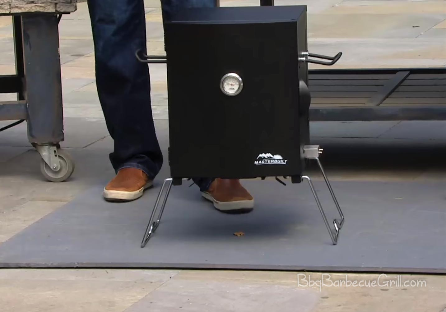 Best table top electric smoker