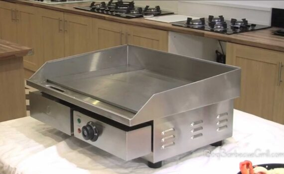 Commercial electric flat top grill